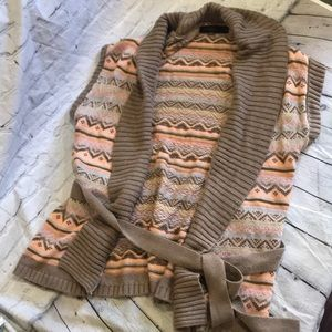 The limited short sleeve cardigan